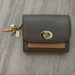 Authentic Coach Small Wallet